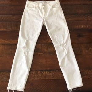 J Brand Low rise white cropped  jeans. Size 27